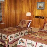 Yes Bay Lodge bedroom with twin beds